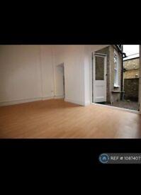 Studio flat in Deptford High Street, London, SE8 (#1087407)