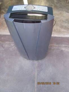 Air conditioner portable, hot/cold/humidifier