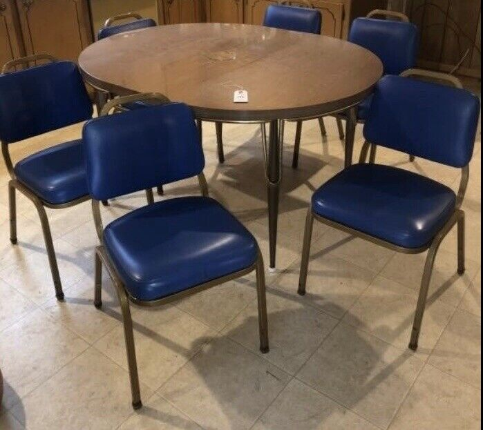 Retro mid Century Table And 6 Chairs