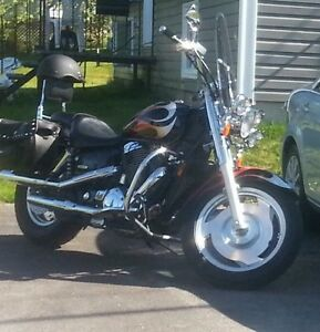 2005  1100 Honda Shadow Sabre