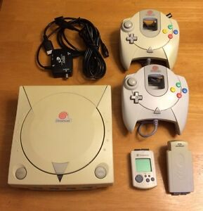 Dreamcast console, controllers, games and extras