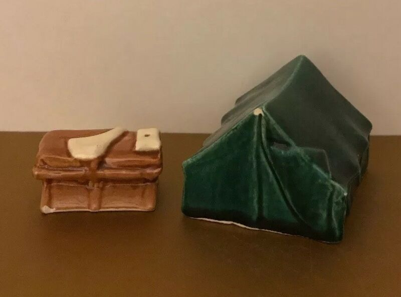 VINTAGE CAMPING TENT WITH BED SALT AND PEPPER SHAKERS GO~WITH