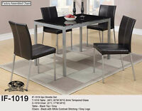 CLEAROUT!! 5 PIECE DINETTE SET!!