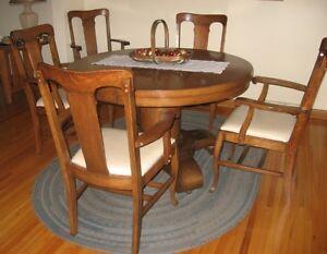 Antique Oak Dining Room Set Windsor Region Ontario image 1