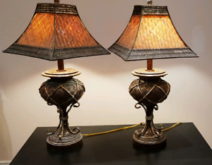 Solid table lamps