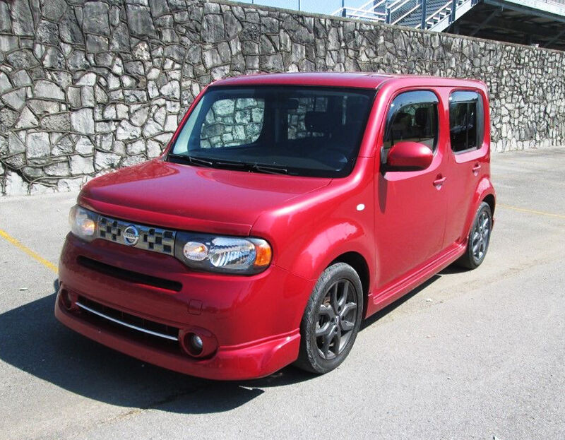 how to personalize your nissan cube with interior. Black Bedroom Furniture Sets. Home Design Ideas