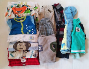 Lot vetement et pyjamas 18 mois - Baby clothing 18 months