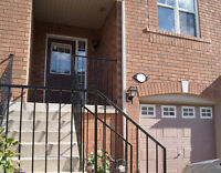 3 BR Townhouse for short term rent in Mississaga