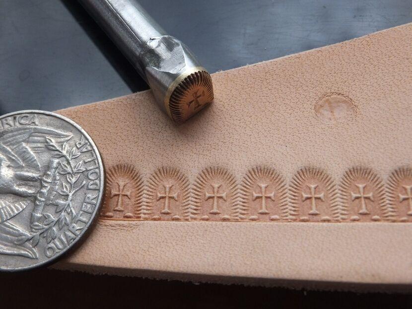 015-03 Flower center Brass Stamp Leather Custom Saddlery Tool Punch