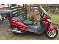 Suzuki AN400 Burgman 400cc automatic scooter in good condition.