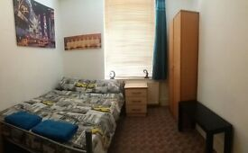 **GREAT LOCATION** EXCELLENT TRIPLE ROOM IN LIMEHOUSE**
