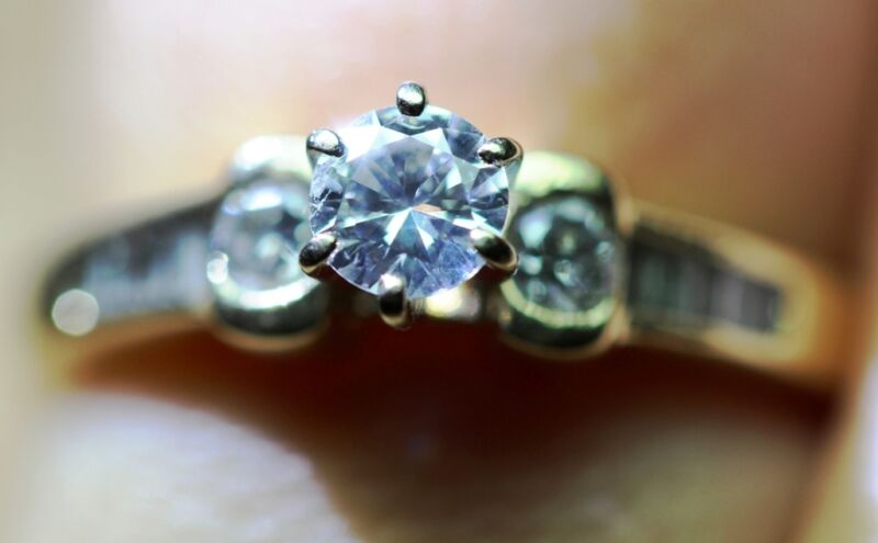 Brilliant Round Cut Diamond Solitaire Engagement Ring 14k Yellow Gold .65 Si-vs