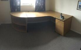 Office/desk and draws and corner section