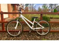 "Girls 24"" Ridgeback Destiny bike in very good condition."