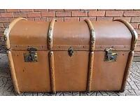 Lovely travel trunk/chest Barrel top