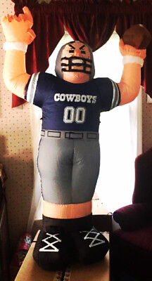 NFC NFL Dallas Cowboys Airblown Inflatable Outdoor 4 Foot Tall Player](Dallas Cowboys Inflatable)