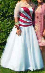 Prom dress/Robe de bal - Size/grandeur 8
