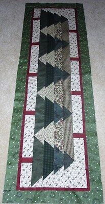 CAN'T SEE THE FOREST FOR THE TREES TABLE RUNNER QUILT PATTERN~CHRISTMAS~YEAR 2 for sale  Boerne