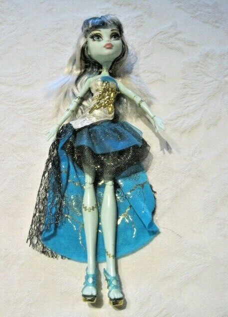 Monster High 13 Wishes Haunt The Casbah Frankie Stein Doll - $23.99