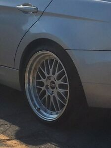 19 Inch Staggered Rims.