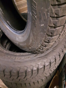 4 Bridgestone Blizzak P265/70R/18 Winter Tires