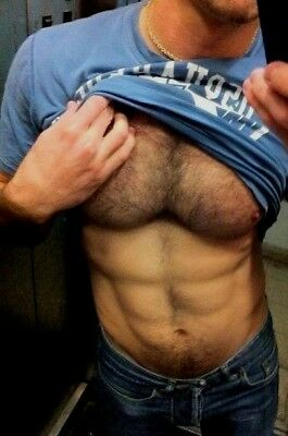 Shirtless Male Muscular Beefcake Hairy Chest Abs Shirt Pull Peek PHOTO 4X6 F222