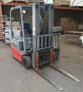 Nichiyu compact 1 ton capacity electric forklift Malaga Swan Area Preview