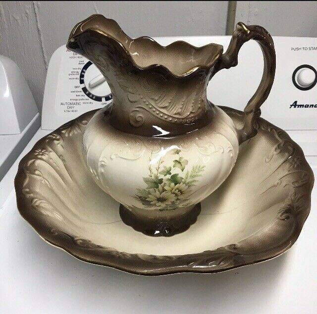Beautiful ANTIQUE Large Vintage Vanity Water Pitcher And Wash Bowl Basin
