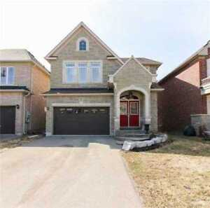 Luxurious Home Detached 2-Storey in Newmarket!!!!!!!!!
