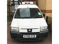 White Peugeot Expert 815D refrigerator van for sale SE11 in good condition