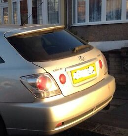 Lexus is200 silver 1c0 sportcross bootlid boot tailgate complete 98-05 breaking spares is 200 is300