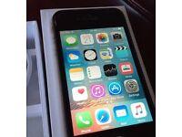 Apple iPhone 4s. 16 gb