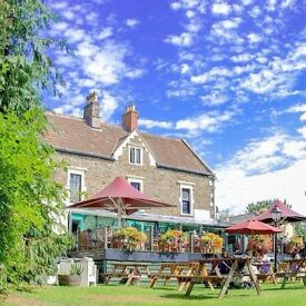Bar staff (couples/single - LIVE-IN or LIVE-OUT) required for our gorgeous riverside pub