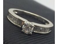 Stunning 18ct Diamond Ring £1695 Valuation Inc