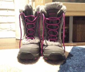 New girls winter boots size 3