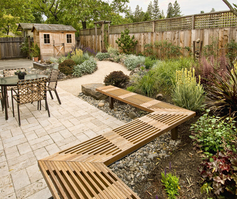 How to Decorate Your Garden with Pebbles