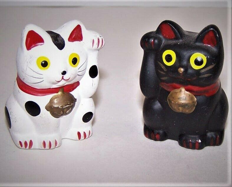 "Pair Feng Shui Lucky Cat Maneki-Neko Style Figurines Black/White Approx 2"" Tall"