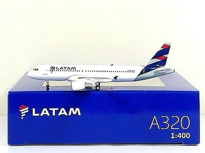 Hogan Wings Latam Airbus A320 1 400  Airlines Box   40120