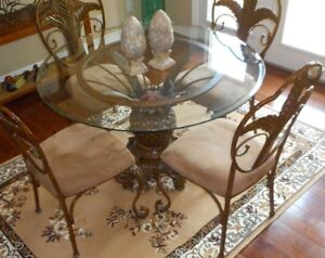 GLASS TABLE TOP WITH 4 CHAIRS !!!