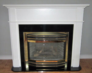 """Napoleon"" propane fireplace with mantel West Island Greater Montréal image 1"