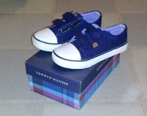 Toddler Tommy Hilfiger shoes Navy size 11.
