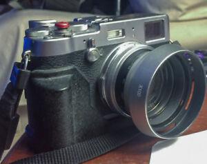 Fuji X100T retro-looking digital camera