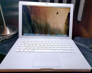 Apple Macbook with upgraded 1tb drive and new battery