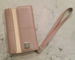 BLACKBERRY CASE WITH MAGNETIC CLOSURE & STRAP, PINK/MAUVE - NEW Cambridge Kitchener Area image 1