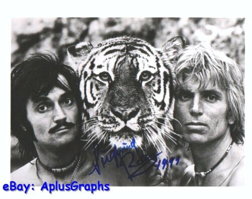 SIEGFRIED and ROY.. Legendary Las Vegas Magicians - SIGNED