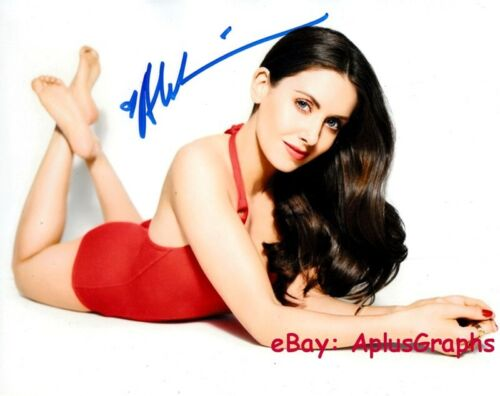 ALISON BRIE.. Barefoot Beauty - SIGNED