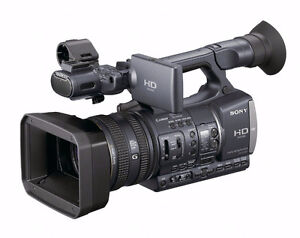 (NEW PRICE!) SONY AX 2000 HD PROFESSIONAL CAMCORDER
