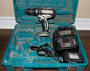 Makita Drill / charger / case / batteries