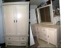 High quality Wood 3 Pc Bedroom Set,delivery possi $$,read inside
