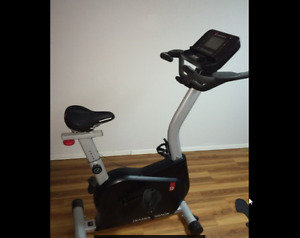 DIAMONDBACK FITNESS 900UB UPRIGHT EXERCISE BIKE